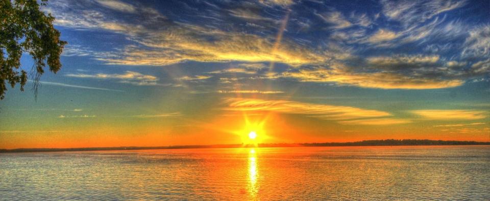 sunrise-182302_1920.jpg